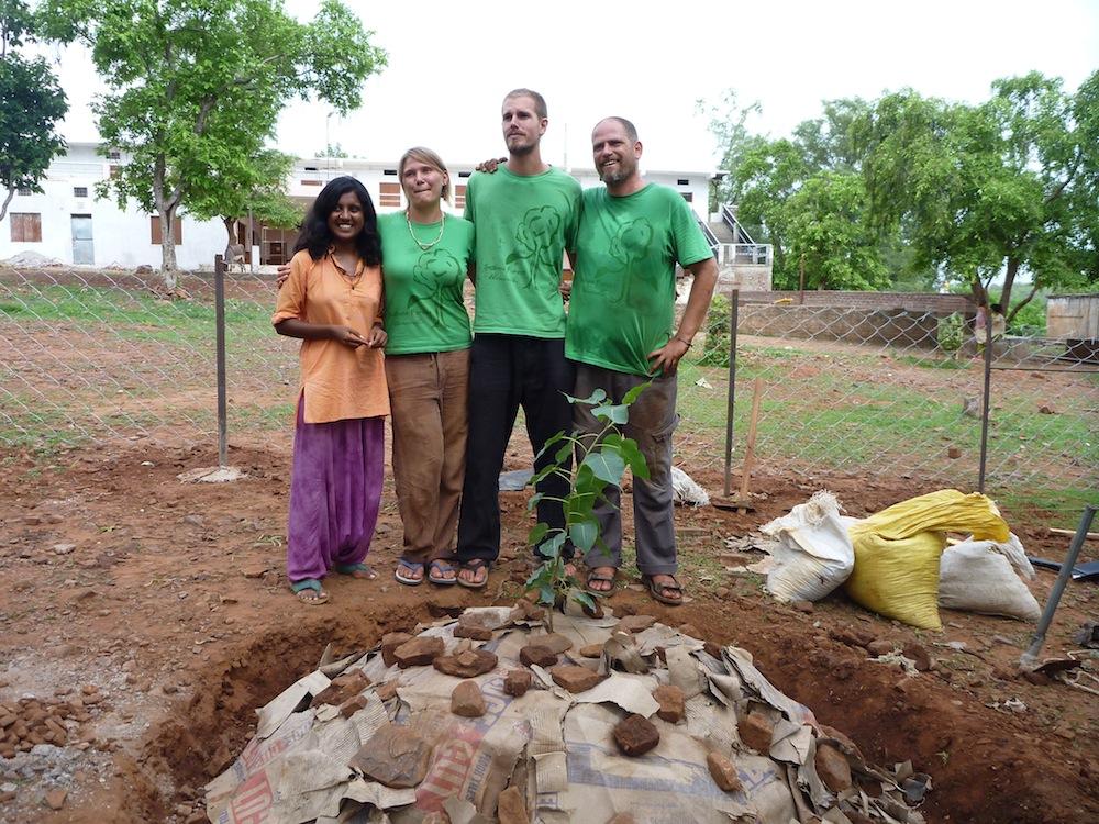 Aviram Niki Tree planting