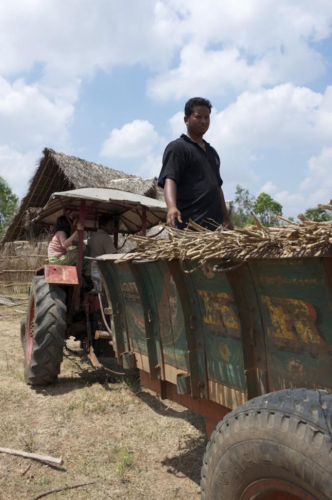 Balu unloading construction materials
